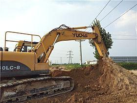 玉柴挖机工作场景