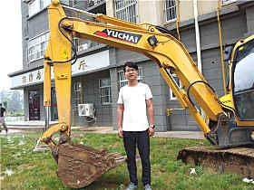 李杨和他的YC60-9玉柴小挖