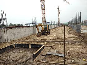 玉柴YC60-8小挖所在的工地