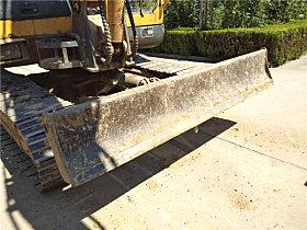 玉柴YC60-8小挖的档板经过了加固