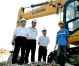 开启柳工环境产业新征程 曾光安视察柳州市移动式建筑垃圾资源化项目基地