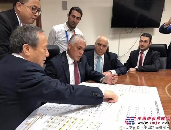 """巴拿马总统盛赞徐工""""中国榜样"""""""