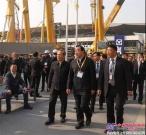 徐州市委书记周铁根、市长庄兆林等一行参观上海宝马展徐工展区