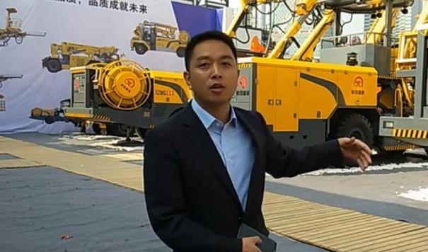【上海宝马展】新筑智装副总经理邱成兵介绍参展设备