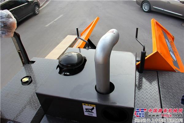 万德机械2LTLZ45B型<a href='https://www.lmjx.net/liqingtanpuji/' target='_blank'>沥青摊铺机</a>:创新升级 因你而变