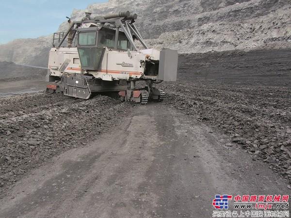 维特根2200 SM 3.8露天采矿机 高清图
