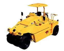 酒井TZ702轮胎式压路机高清图 - 外观