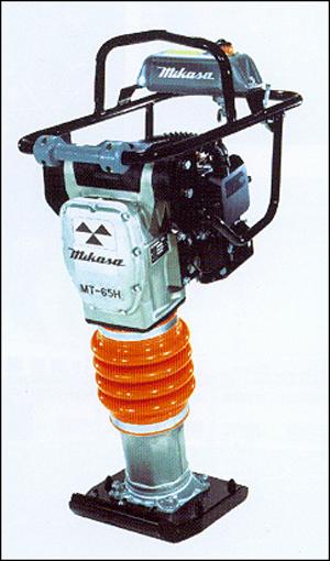三笠MT-65H/MT65HE 内燃式冲击夯高清图 - 外观