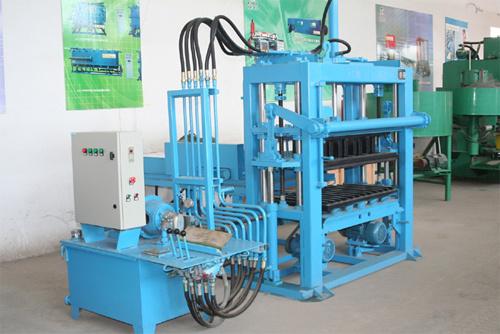 中材建科QTY3000型多�功能彩色液压彩砖机