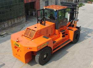 华南重工HNF250M集装箱重箱叉车高清图 - 外观
