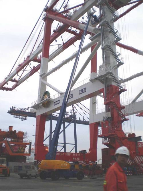 运想重工42米直臂GTBZ39-GTBZ42Z高空作业平台高清图 - 外观