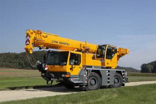 利勃海尔LTM 1040-2.1全地面起重机