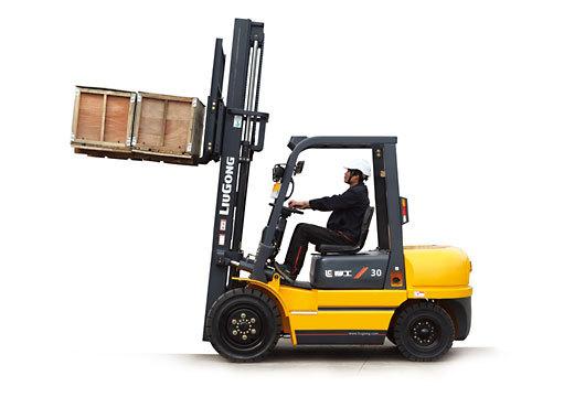 柳工CPCD30内燃平衡重式叉车