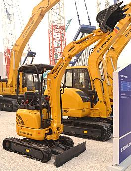 中联重科ZE15E小型挖掘机