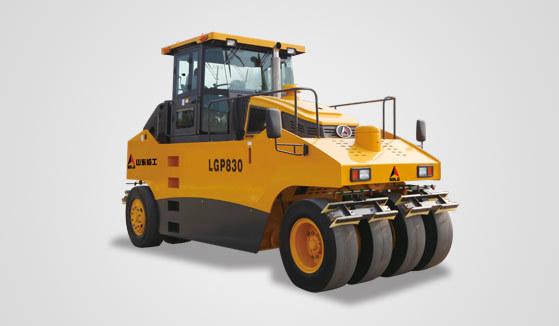 山東臨工LGP830輪胎壓路機