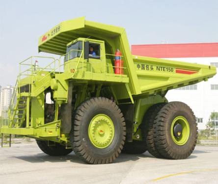 内蒙古北方重工NTE150电传动矿用自卸车