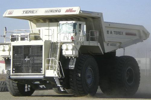 内蒙古北方重工MT4400AC电传动矿用自卸车