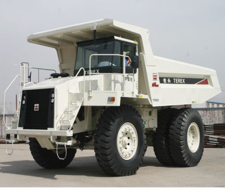 内蒙古北方重工TR60岩斗型矿用自卸车