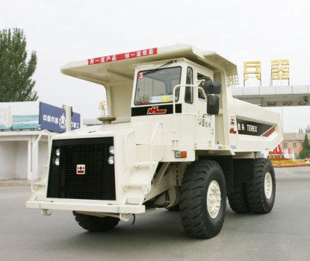 内蒙古北方重工TR30岩斗型矿用自卸车