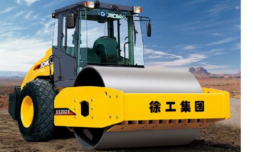 徐工XS223E全液压单钢轮压路机