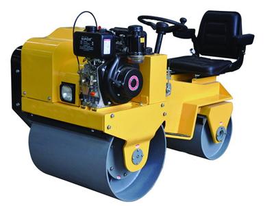 友一机械FAYL-850小型座驾式压路机高清图 - 外观