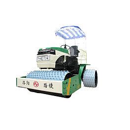 路捷YZCP-2.0草坪再生压实机