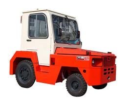 大连叉车QD30内燃牵引车