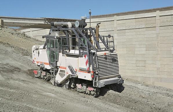 维特根2200 SM 露天采矿机高清图 - 外观