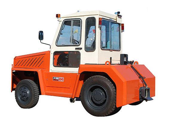 大连叉车QD60内燃牵引车(3.5-5吨)高清图 - 外观