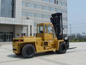 大连叉车15吨轻型内燃平衡宝物重叉车