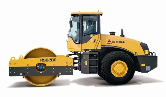 山东临工RS8200机械式单钢轮振动压路机