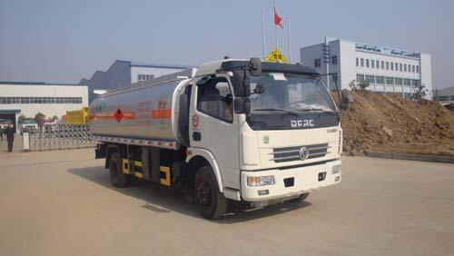 楚飞东风多利卡国四(6.74立方)加油车