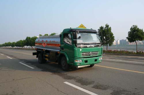 楚飞东风多利卡(4.49立方)加油车高清图 - 外观