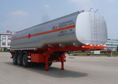 楚飞三轴化工液体/43.3立方运输半挂车