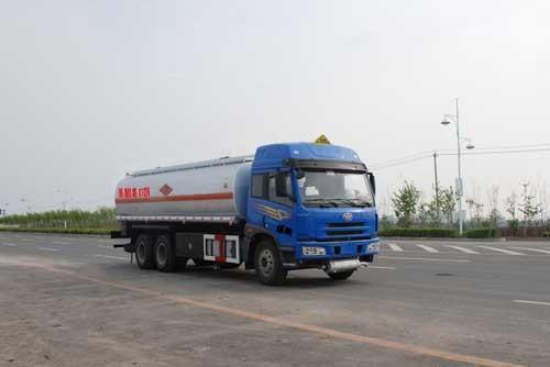 楚飞解放后双桥(20.25立方)化工液体运输车