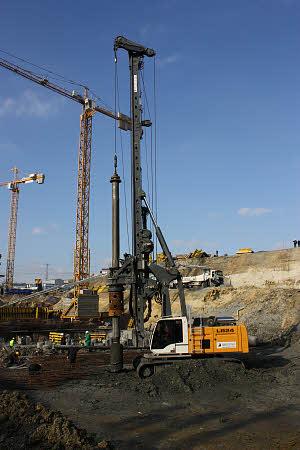 利勃海尔LB 24旋挖钻机高清图 - 外观