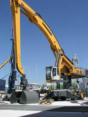 利勃海尔A 954 C HD Litronic High Rise 高架物料抓钢机