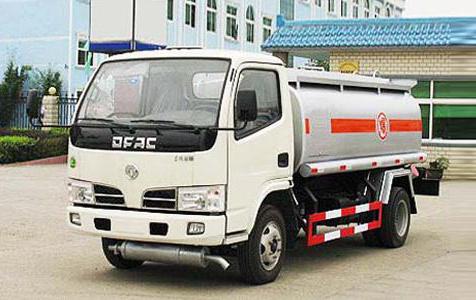 湖北合力东风金霸化工液体运输车