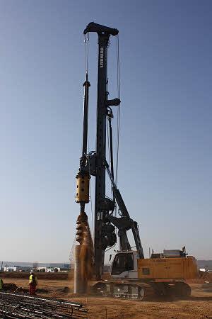 利勃海尔LB 28旋挖钻机高清图 - 外观