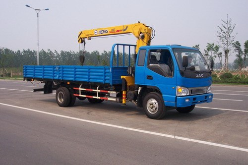 厦工楚胜XZJ5080JSQH随车起重运输车