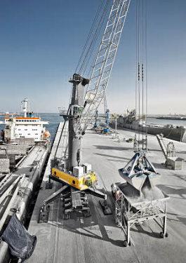 利勃海尔LHM 550移动式码头高架吊