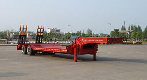 湖北合力低平板半挂车28800kg