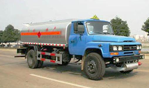 湖北合力东风140尖头化工液体运输车高清图 - 外观