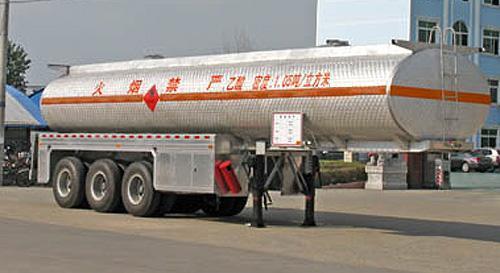 湖北合力化工液体运输半挂车32600kg