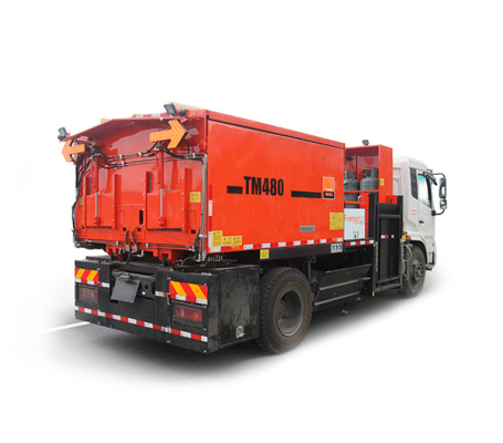 英达科技TM480-TRK大容量沥青路面养护车