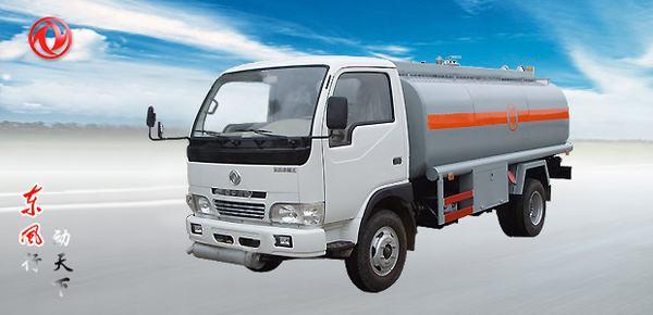 东风东风金霸EQ1061油罐车高清图 - 外观