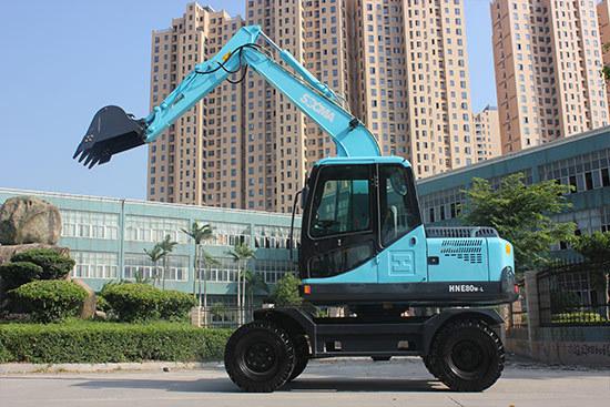 华南重工轮式挖掘机
