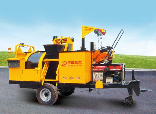 路大LD-Q1000G型牵引式综合养护车(机)