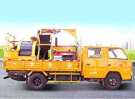 路大LD-C1000G型车载式路面综合养护车(机)