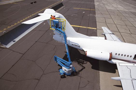 特雷克斯吉尼Z-45/25J DC&双能源自行式曲臂型高空作业平台